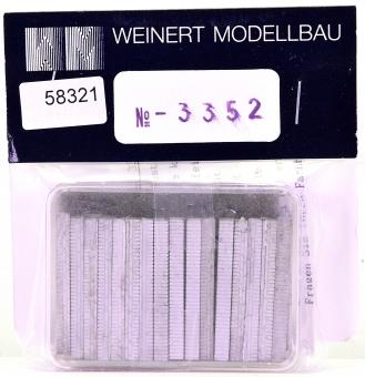Weinert 3352 (H0) – Bausatz Steinsockel für Fabrikzaun mit 2 Toren, Weissmetall