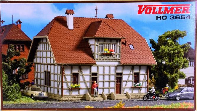 Vollmer 3654 – Bausatz Siedlungshaus mit Fachwerk