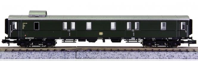 Trix 15725 (N) – Schnellzug-Gepäckwagen Pw4üe-36 der DB
