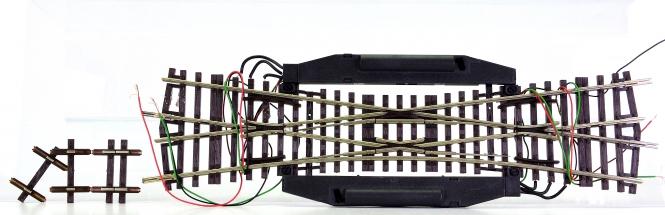 Roco 42448 – Einfache Kreuzungsweiche EKW 15°, mit 2 elektrischen Antrieben