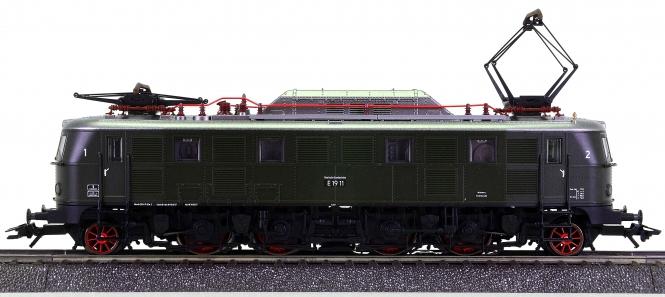Märklin 39190 – Schnellzug-Elektrolok BR E 19 11 der DB, digital (MM)