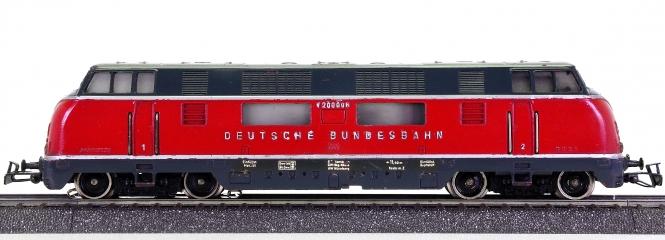 Märklin 3021 – Mehrzweck-Diesel-Lokomotive BR V200 der DB