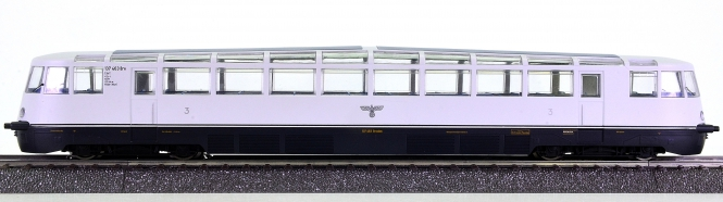 Liliput L112883 (AC) - Diesel-Aussichtstriebwagen VT 137 der DRG, digital