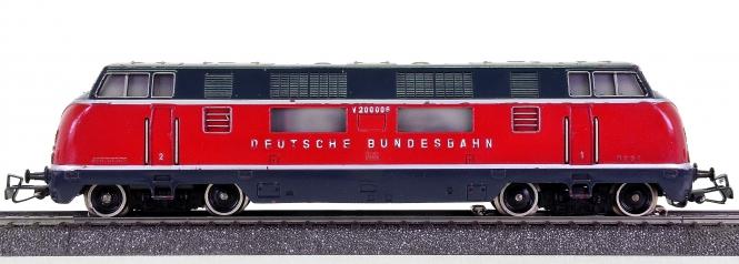 Märklin 3021 – Mehrzweck-Diesellokomotive BR V200 der DB