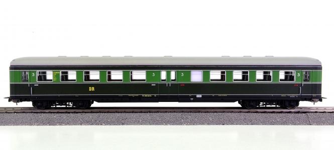 Piko 53200 – 3. Klasse Durchgangswagen C4üp der (D)DR
