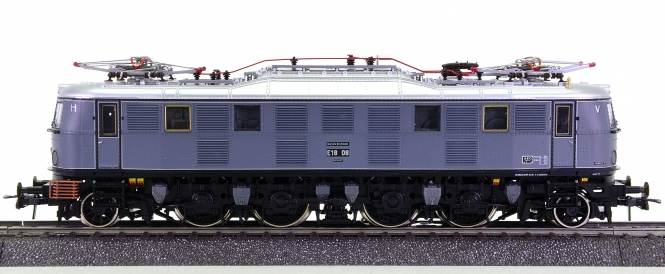 Roco 43981 (AC) – Schnellzug-Elektrolok BR E 18 der DRG