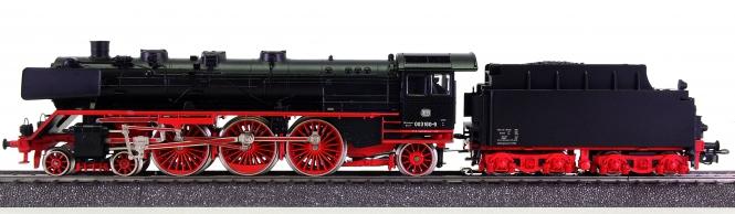 Märklin 3085 – Schlepptenderdampflok BR 003 der DB