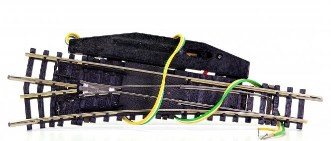Trix 14938/14934 (N) – elektr. Weiche 15° links, mit polarisiertem Herzstück