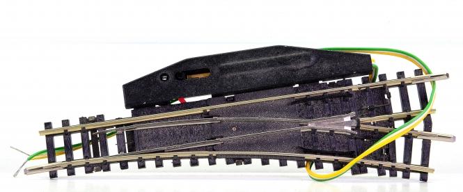 Trix 14939/14935 (N) – elektr. Weiche 15° rechts, mit polarisiertem Herzstück
