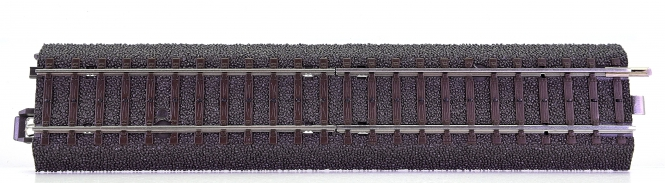 Märklin 24951 – Übergangs-C-Gleis zum M-Gleis Länge 180 mm