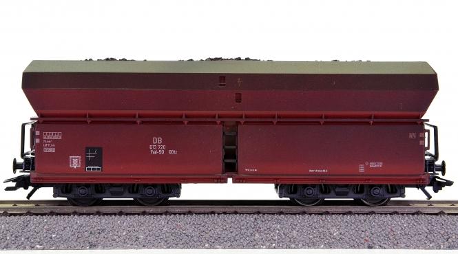 Trix 24202-12 - 4-achsiger Selbstentladewagen der DB, aus 'Langer Heinrich'