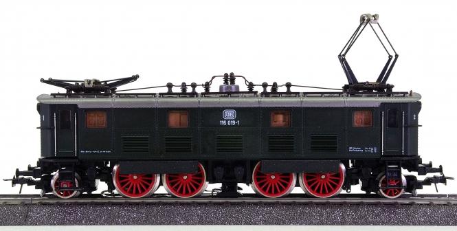 Roco 14143 (AC) – Schnellzug-Elektrolok BR 116 der DB, digital