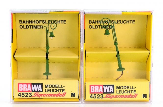 Brawa 4523 (N) – 2 Oldtimer-Bahnhofsleuchten 1-fach