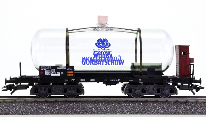 Märklin 44530 – Glas-Kesselwagen WODKA GORBATSCHOW der DB