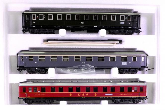 Märklin 42942 – 3-tlg. Schnellzugwagen-Set Riviera-Express, Innenbeleuchtung
