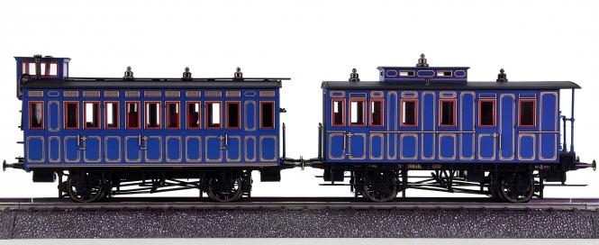 """Märklin 4398 – 2-tlg. Ergänzungswagen-Set zum """"König-Ludwig-Zug"""", mit Sockel"""