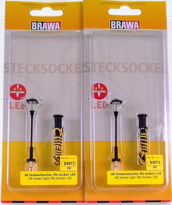 Brawa 84013 – 2er-Set Strassenleuchte 1-fach, mit Stecksockel und LED