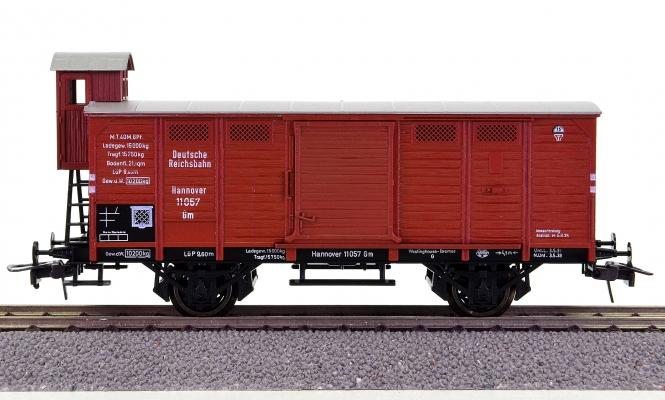 Trix 53 3423 00 – gedeckter Güterwagen Gm mit Bremserhaus der DRG