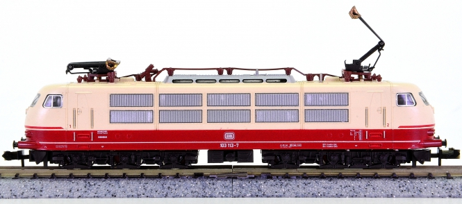 Minitrix 12930 – Schnellzug-Elektrolok BR 103 der DB
