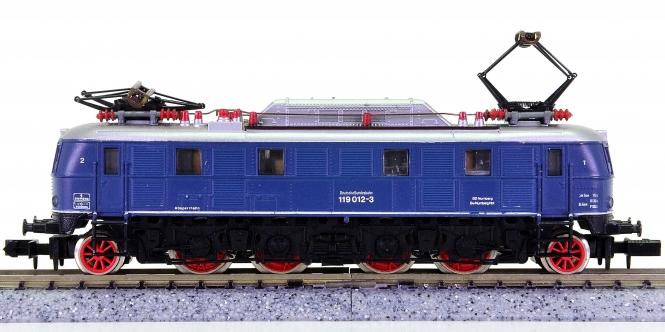 Arnold 2451 – Elektrolokomotive BR 119 der DB