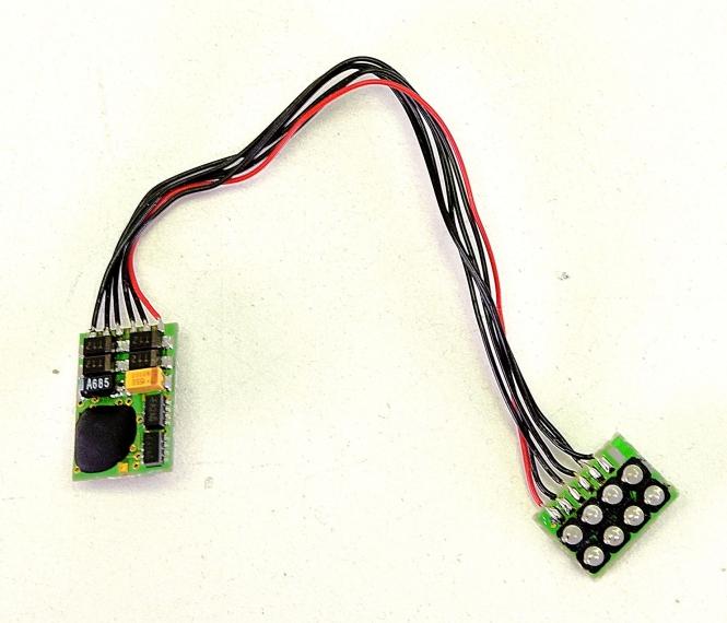 Trix 66836 – Selectrix-Decoder (klein) mit 8-poliger Schnittstelle