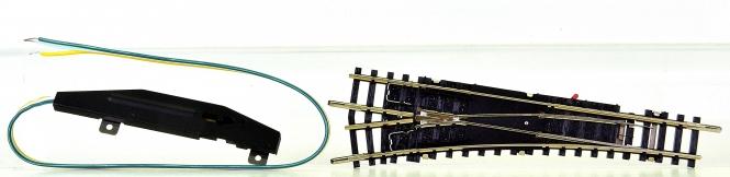 Minitrix 14938/14934 - elektr. Weiche 15° links, mit polarisiertem Herzstück