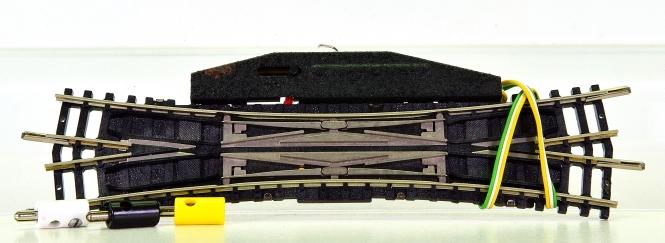 Minitrix 14960 - Elektromagnetische Doppel-Kreuzungsweiche – 15°