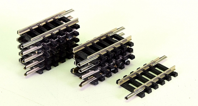 Minitrix 14908 – 10 gerade Gleise, Länge je Gleis 27,7 mm