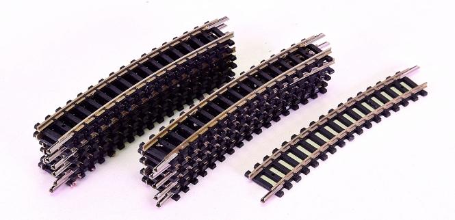 Minitrix 14917 – 12 gebogene Gleise, Radius R3/329,0 mm, 15°