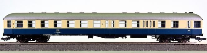 Roco 44685 – Mitteleinstiegs-Steuerwagen der DB, Spitzensignal