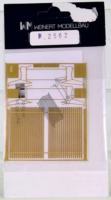 Weinert 2562 (Spur 0) - Bausatz Bahnhofsholzbank ab 1930er Jahre, 2 Stück
