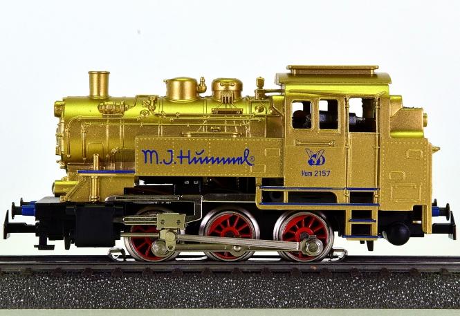 Märklin 31901 – Tenderdampflok BR 89, Hummel-Edition, goldfarben