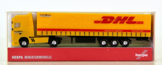 Herpa 065436 (N) – Gardinenplanen-Sattelzug DAF XF SSC, DHL