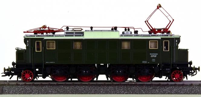 Roco 43876 (AC) – Elektrolok BR E17 der DB, digital (mfx)