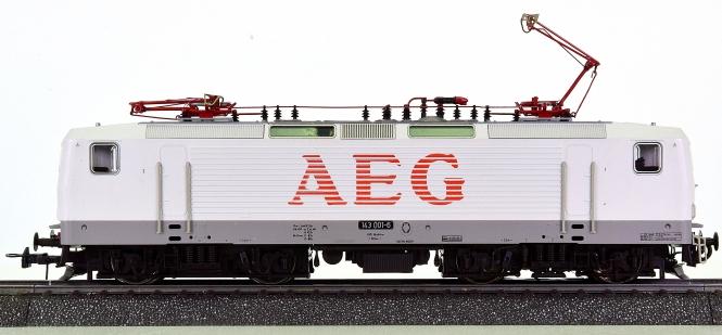 """Roco 43996 (AC) – Elektrolok BR 143 """"Weiße Lady"""" der AEG, digital (DCC, MM)"""