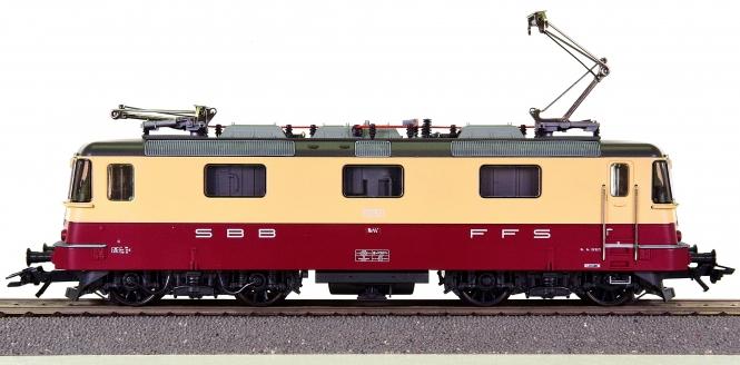 Trix 22148 – Elektrolok Re 4/4 II TEE der SBB