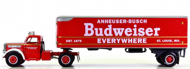 Matchbox DYM38233 1:58 - Limited Edition Budweiser Diamond T Tractor Trailer