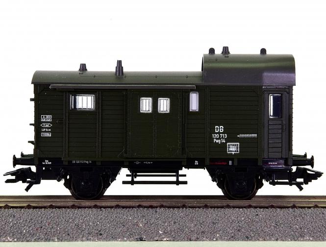 Trix 24245-01 – Gepäckwagen Pwg14 der DB