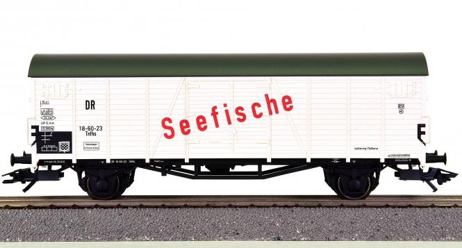 """Trix 24327 – Kühlwagen Tnfhs """"Seefische"""" der (D)DR"""