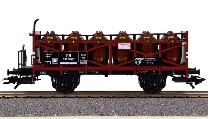 Trix 24358 - Säuretopfwagen der VTG, eingestellt bei der DB