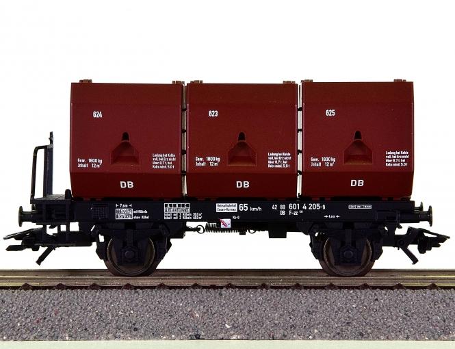 Trix 24407-02 – Kohlekübelwagen F-zz 131 der DB, Kohleladung