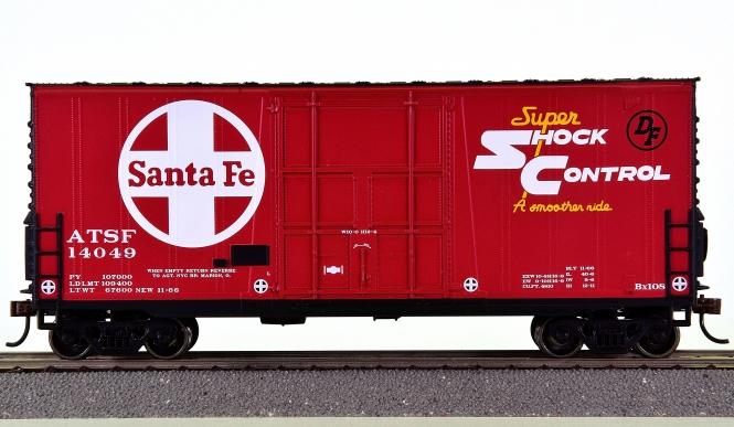 Roundhouse RND76625 – 40' Plug Door Hi-Cube Boxcar der Santa Fe