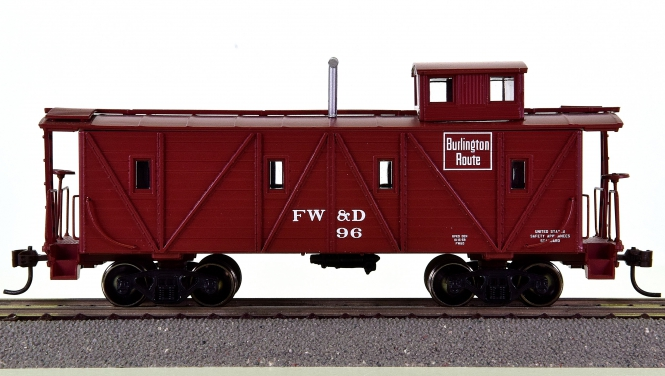 Roundhouse 84349 – Outside Braced Wood Caboose der FW&D