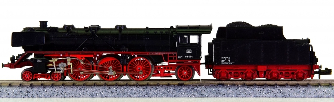Minitrix 12003 – Schlepptender-Dampflok BR 03 der DB