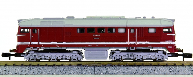 Minitrix 12877 – Mehrzweck-Diesellok BR 220 Taiga-Trommel der DR (DDR)