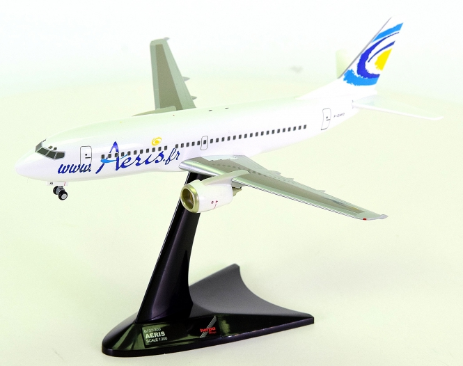 "Herpa Wings 550116 (1:200) – Boeing 737-300 mit Registration ""Aeris"""