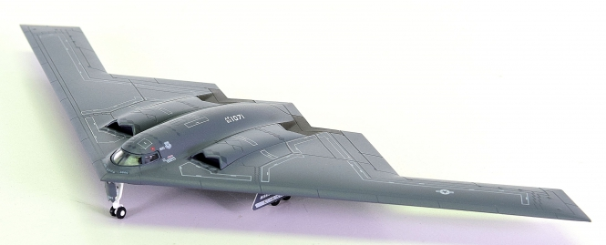 "Herpa Wings 553506 (1:200) – UUSAF Northrop Grumman B-2A ""Spirit"", 509th Bomb Wing"