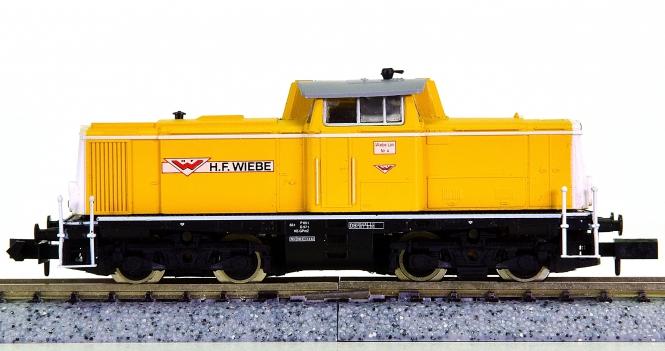 Arnold 2134 – Mehrzweck-Diesellok BR 212 der Wiebe Gleisbau