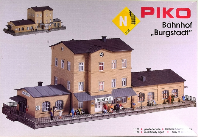 Piko 60023 (N) - Bausatz Bahnhof Burgstadt