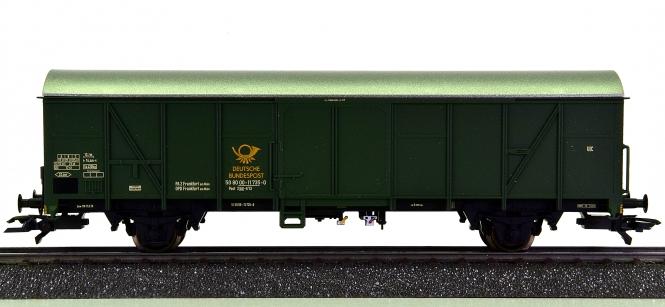 Märklin 47360 - gedeckter Güterwagen / Bahnpostwagen der DBP
